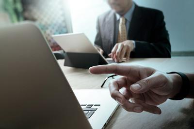 Asesoría jurídica en procesos de selección y licitaciones públicas o privadas