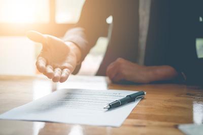 Asesoría y representación en audiencias y procesos en donde se discute el cumplimiento del contrato