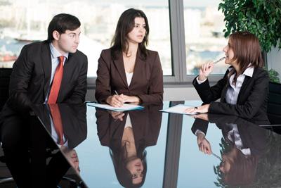 Asesoramiento en procesos que se llevan ante autoridades administrativas